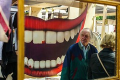 The scary smile (Marketing.Alpha) Tags: market leica m9 spittafields london thisislondon street