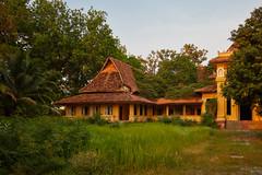 Renakse Hotel (Thomas Mülchi) Tags: 2018 cambodia phnompenh architecture abandoned hotelrenakse hotel trees bluesky clearsky kh