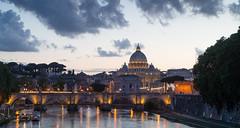 Basilica di San Pietro (Sebilatius) Tags: rome roma san pietro petersdom italy italia italien sunset sonnenuntergang blue hour blaue stunde