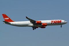 TAM Airbus A340-541 PT-MSL (Kambui) Tags: tam airbus a340541 ptmsl fra moertle
