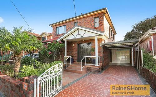 35 Glenview Av, Earlwood NSW 2206