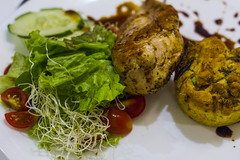 Chicken Leg garnished with a Green Salad (Cherry Tomatoes, Lettuce, Bean Sprouts and fresh Cucumber) and a Vegetable Soufflé (Alvimann) Tags: alvimann canonef50mmf18stm canonef50mmf18 canonef50mm ef50mmf18stm ef50mmf18 canon ef50mm f18 stm canon550d canont2i food comida taste sabor tastes sabores cocina cook cuisine dish plato principal platoprincipal maindish detail details detalles detalle chicken leg garnished green salad greensalad cherrytomatoes tomatoes lettuce beansprouts cucumber vegatablesoufflé vegetable soufflé chickenleggarnishedwithagreensaladcherrytomatoeslettucebeansproutsandfreshcucumberandavegetablesoufflé patadepolloadornadaconunaensaladaverdetomatescherrylechugabrotesdesojaypepinofrescoyunsoufflédeverduras