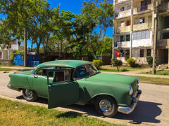 IMG_5553 (lezumbalaberenjena) Tags: santa clara cuba villas villa 2018 lezumbalaberenjena barrio reparto virginia vintage classic carro american americana americano maquina máquina