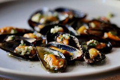 Smoked  Kerrygold Buttered Mussels with Garlic Parmesan and Parsley 💯 (TwoPenceMedia) Tags: gourmet white plate food properseafood seafoodie butter kerrygold foodfeels parsleygarlicparmesan garlicandparmesan mussels seafood