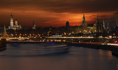 RUS67311(Moscow Sunset) (rusTsky) Tags: city cityview exterior sightseeing skyline sky sunset travel moscow famous urban historical river red kremlin light lights longexposure water night canon eos5d