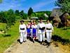 așa era odată moda (băseşteanu) Tags: traditii traditions costumpopular maramures romania muzeulsatuluibaiamare traditionalclothes young hay