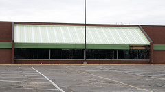 No more Marsh (Nicholas Eckhart) Tags: america us usa anderson indiana in 2018 retail stores grocerystore market supermarket former closed vacant empty shuttered marsh