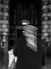 dans un souffle (objet introuvable) Tags: blackandwhite bw noiretblanc nb blur people street streetview city antwerpen monochrome urban