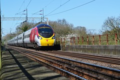 WCML Pendolino (Gerry Rudman) Tags: hartford winsford wcml virgin trains river weaver pendolino
