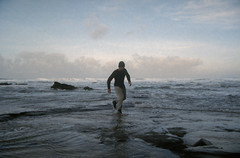 Johanna beach (J.K.Stevens) Tags: portra 35mm film johanna beach australia victoria sunset sunrise dusk mood atmosphere waves ocean landscape sand canoscan 9000f mark c41 ii nikonfm2 nikon fm2 kodakportra400