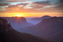 Sunrise || GOVETTS LEAP || BLUE MOUNTAINS (rhyspope) Tags: australia aussie nsw new south wales blue mountains blackheath rhys pope rhyspope canon 5d mkii sunrise sunset view vista amazing travel worldheritage world heritagesky clouds color colour flare sunstar