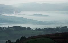 valley fog (popcornChris) Tags: hopevalley higgertor peakdistrict mist cloud fog valley
