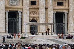 Weekly public audience, Pope Francis, Saint Peter's Square, Vatican City. (mariordo59) Tags: popefrancis papafrancisco franciscus saintpeterssquare piazzasanpietro udienzagenerale