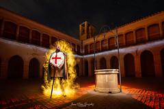 The Crusader ( calvin1961) Tags: templario cruzado caballero cavalier chinchilla albacete comunidaddecastillalamancha españa spain claustro pozo