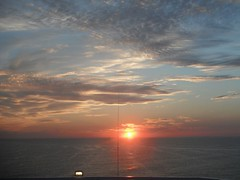 PUESTA DE SOL (carvelgar) Tags: colores colours mar sea paisaje landscape agua water cielo sky puesta de sol nube cloud mediterráneo sunset atardecer