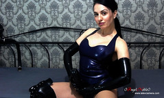 Pretty brunette 0AngelNoble0 from latexcamera, wearing black strapon, long black latex gloves and purple latex body (0AngelNoble0) Tags: sexybrunette fetish longblacklatexgloves blackstrapon purplelatexbody blackoverkneepvcboots
