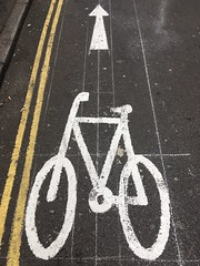 Guides (Phil Gyford) Tags: london uk cityoflondon cyclelane roadmarkings bicycle cycle artillerylane arrow