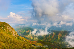_J5K9572.0517.Phiêng Ban.Bắc Yên.Sơn La (hoanglongphoto) Tags: asia asian vietnam northvietnam northwestvietnam landscape scenery vietnamlandscape vietnamscenery vietnamscene morning outdoor sky bluessky cloud clouds mountain mountainouslandscape nature canon tâybắc sơnla bắcyên tàxùa phiêngban phongcảnh thiênnhiên buổisáng bầutrời bầutrờixanh mây núi phongcảnhtâybắc phongcảnhtàxùa canoneos1dsmarkiii canonef2470mmf28liiusm