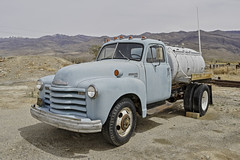 Old Chevrolet 6400 series 2 ton truck (Alan Vernon.) Tags: california canoneos1dxmkii copyrightalanvernon2018 abandoned automobile derelict old relic truck yesteryear rusting rusty historic decay decaying chevrolet 6400 series 2 ton blue desert