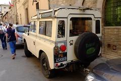 Land Rover Series III 88 2,3 diesel (leocas82) Tags: perugia pg456869 diesel offroad targhenere 4x4 awd trazioneintegrale allwheeldrive uk gb inghilterra car auto automobile leocas82 carspotter