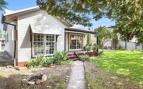 58 Hobart Av, Umina Beach NSW 2257