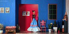 frida kahlo arrived (photos4dreams) Tags: room roombox raum design cardboard karton 3d diorama photos4dreams p4d photos4dreamz fridakahlo barbie collectors doll puppe home haus casaazul regularlifeinthedollhouse toy dress mattel barbies girl play fashion fashionistas outfit kleider mode puppenstube tabletopphotography artist künstlerin celebrity paintings bilder malerei mexikanisch mexican southamerica südamerika