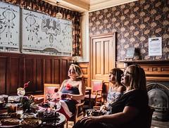 The Royal Wedding [01A], Dundee (that petrol emotion) Tags: img3260 royalwedding menniesbar speedwellbar dundee tayside perthroad pub publichouse heritage camra celebration