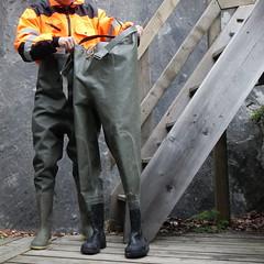 Armeewathose-Bach4218 (Kanalgummi) Tags: sewer worker rubber chest waders wathose gummihose hiviz kanalarbeiter égoutier