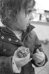 Pike Place Market Trip B&W-4 (Pye42) Tags: pikeplacemarket publicmarket seattle washington donut unitedstates