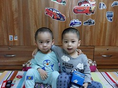 0254 (ruoi_men) Tags: cousin family love funny childhood children ak ankhanh benho brothers