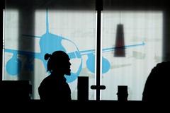 Airport Stuttgart (Wackelaugen) Tags: airport stuttgart silhouette plane canon eos photo photography stephan wackelaugen