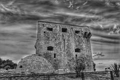 Historia en HDR (angelalonso4) Tags: hdr 1855 torre urban explorar explore castellon alcossebre canon eos 1300d efs1855mm f3556 is ii ƒ71 180 mm 11250 200 mediterraneo españa black negro castillo 黒と白