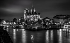 paris (joboss83) Tags: paris bw noireblanc fuji landscape paysage fleuve eau pont france europe architecture église ile longue exposition notredame water church river bridge