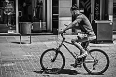 Whatsappbiker (Ignacio M. Jiménez) Tags: ignaciomjiménez gente people biker street calle blackandwhite blancoynegro byn bw ubeda jaen andalucia andalusia españa spain 2dwf bicycles