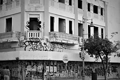 Corner in Santurce (Carlos A. Aviles) Tags: santurce corner urban urbano street calle callejera rundown abandono edificio building arquitectura arquitecture sanjuan puertorico