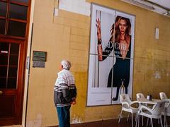 ... (J. Garcia2011) Tags: color callejera urbano urbana calle streetphotography street ixus valencia comunidadvalenciana