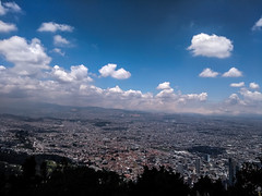 Bogotá - Colombia - Vista desde Monserrate (ivd5) Tags: cielo sky domingo sunday city ciudad monserrate mirador clima weather clouds nuves
