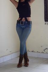 SDC13652 (ikat.bali) Tags: girl fotomodell photomodel leder leather jeans amateur belt gürtel fashion fetish outfit