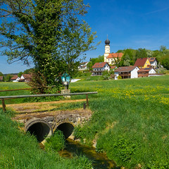 Niederbayern ist schön! (Janos Kertesz) Tags: building architecture rural nature house sky old tree countryside europe green field church blue oberglaim bayern bavaria frühling niederbayern