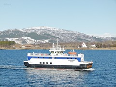 """Rebbenesøy"" (OlafHorsevik) Tags: rebbenesøy torghattennord thn ferge ferga ferry ferja ferje"