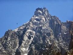 Arrival of the cable car Aiguille du Midi. 3777 m. (elsa11) Tags: aiguilledumidi téléphériqueaiguilledumidi chamonix montblancmassif montblancrange montblanc hautesavoie alpes auvergnerhonealpes alpen alps montagnes mountains france frankrijk