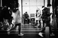(fernando_gm) Tags: street spain madrid man monochrome monocromo monocromatico movement movimiento blackandwhite bw blancoynegro granvia gente people person persona personas airelibre fuji fujifilm 35mm f14