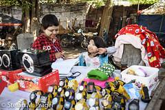 708-Mya-MANDALAY-0929.jpg (stefan m. prager) Tags: asien myanmar kinderarbeit mandalay thanaka handel mandalayregion myanmarbirma mm