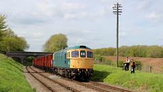 Stand well back (Duck 1966) Tags: class33 33035 crompton goods train vans platelayer railwayman emrps gcr rabbitbridge
