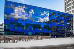 Rectangular cloud (ericbaygon) Tags: building immeuble bleu blue university université londres london nikon d750 fx chair chaises