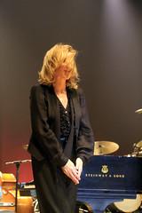 Diana Krall / Live in brazil (alestaleiro) Tags: dianakrall live brazil curitiba brasil music música jazz vivo show singer piano player stage portrait performance alestaleiro