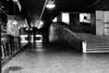 Espacios (Lea Ruiz Donoso) Tags: madrid azca silueta hombre reflejo escalera hx350 fotografía callejera calle bw blackwhite noiretblanc blancoynegro