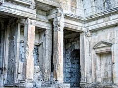 Ruines du Temple de Diane Jardins de la Fontaine (thierrybalint) Tags: ruines nîmes canon temple diane ruins jardinsdelafontaine