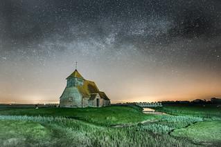 Milky Way over Thomas a Becket church