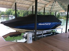 6600 UL2, 23 Mastercraft on a HydroHoist Boat Lift